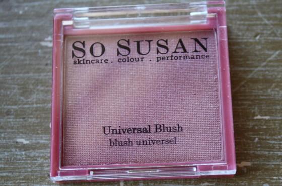 GlossyBox Sample Subscription Beauty Box So Susan   Cosmetics Universal Blush
