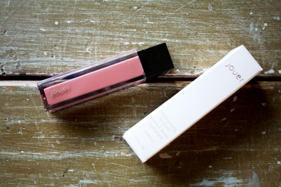 Jouer Lip Gloss in the Color  Wind
