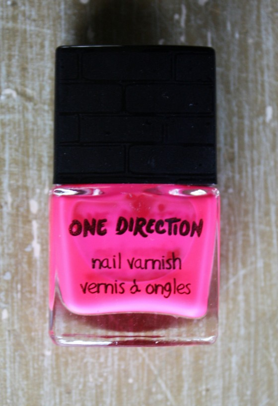 One Direction's New Nail Varnish in the color Moments