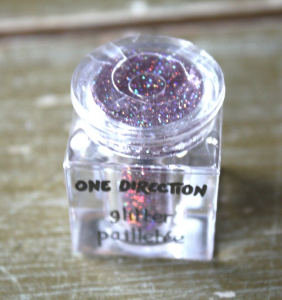 One Direction's New Sparkle Nail art Glitter in the color   Star