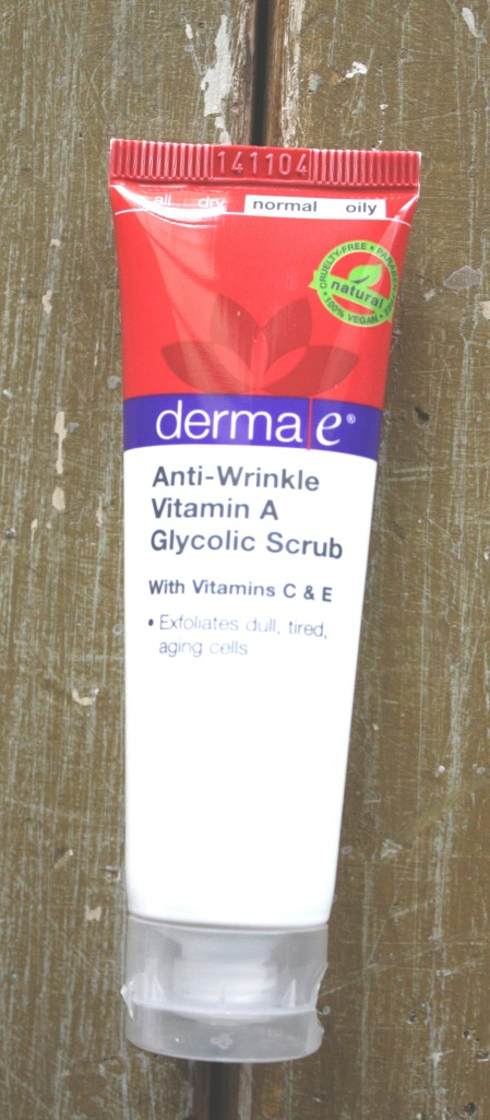 BirchBox  February 2015 Box Reveal Derma e Anti- Wrinkle   Vitamin A Glycolic Scrub