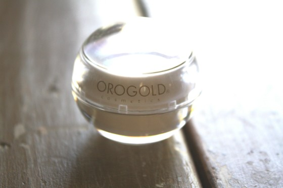 GlossyBox March 2015 Box Orogold Cosmetics 24K  Multi-   Vitamin  Day Moisturizer (1)