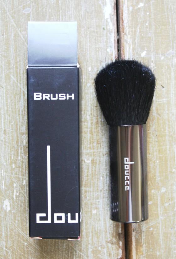 Glossybox June 2015 Doucce Blush Brush