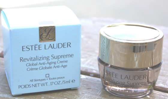Glossybox November 2015 Box Estee Lauder Revitalizing Supreme Global Anti-Aging Creme