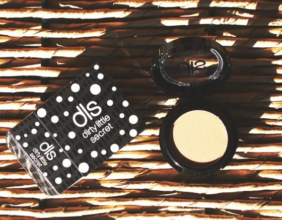ipsy-september-2016-bag-reveal-dls-eyeshadow