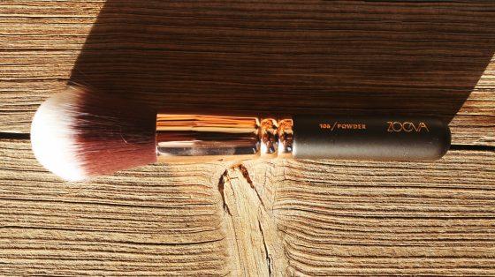 zoeva-rose-gold-106-powder-brush