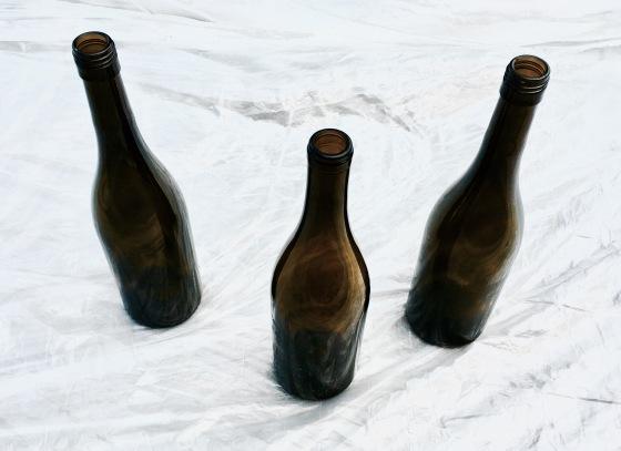 diy-holiday-wine-bottle-centerpiece-empty-wine-bottles