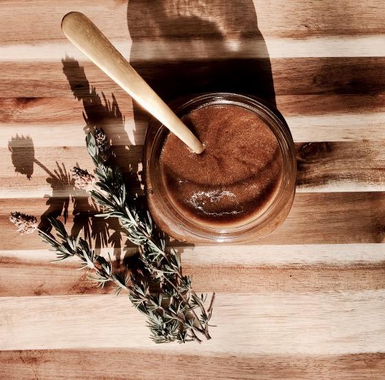 diy-lavender-honey-sugar-scrub-display