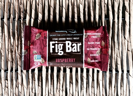 subscription-alert-daily-goodie-box-february-2017-edition-stone-ground-whole-wheat-fig-bar-raspberry